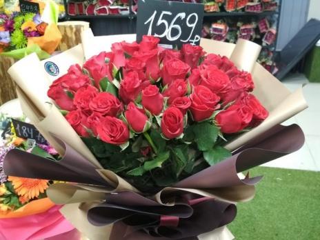 Букет из 51 Кенийской розы 35см
